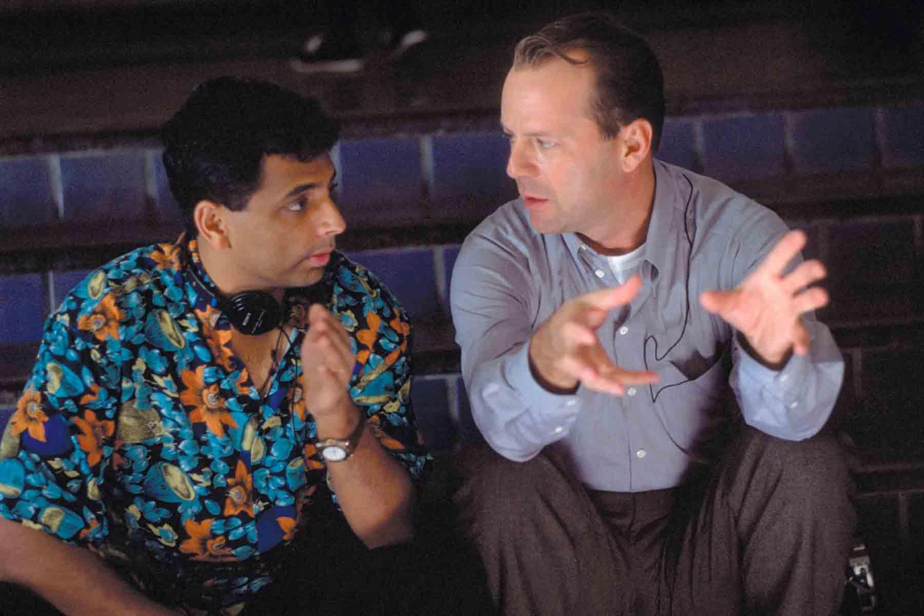 M. Night Shyamalan con Bruce Willis