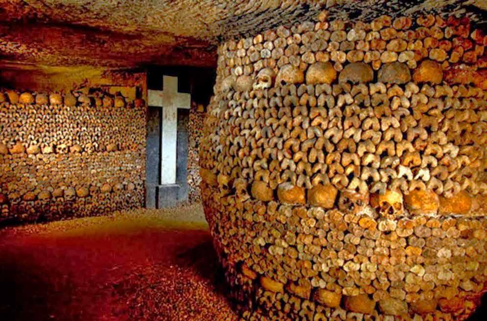 El laberinto de huesos de las Catacumbas de París