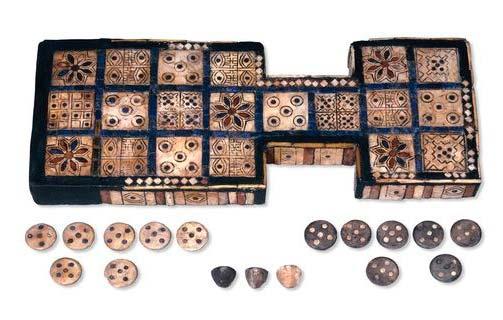 Piezas del juego ancestral encontrado en Mesopotamia