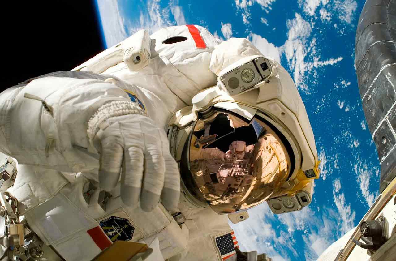 Las características básicas de los trajes espaciales