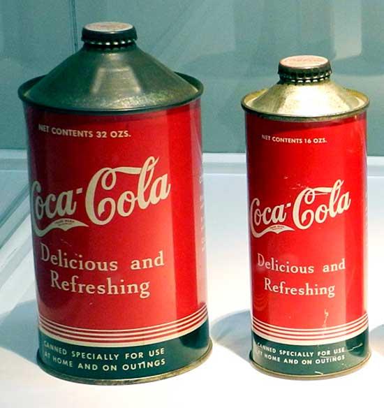 Primeras latas de Coca-Cola, diseñadas durante los años 40