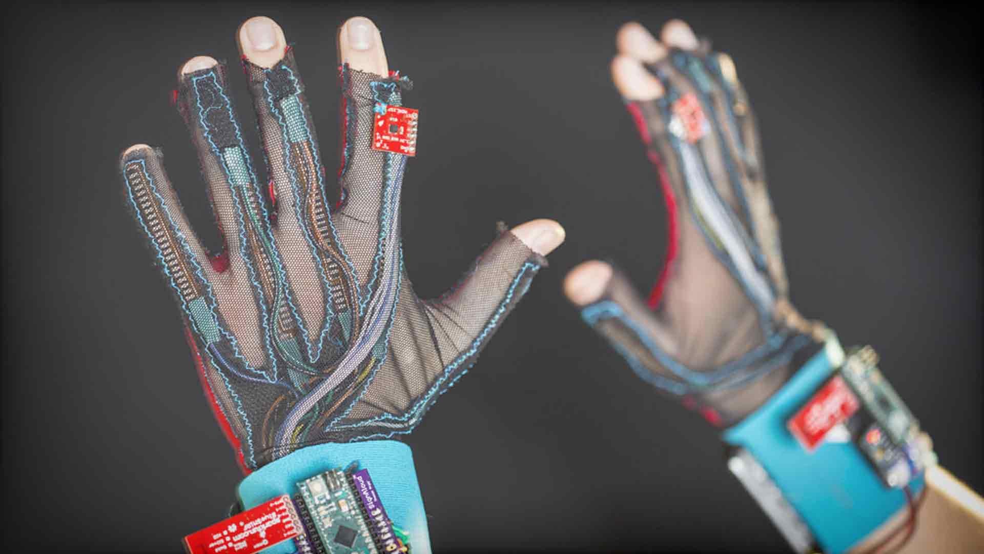 Los guantes para la sordera que traducen el lenguaje de signos