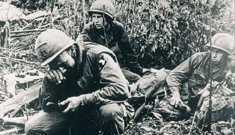 Soldados desesperanzados en la Guerra de Vietnam