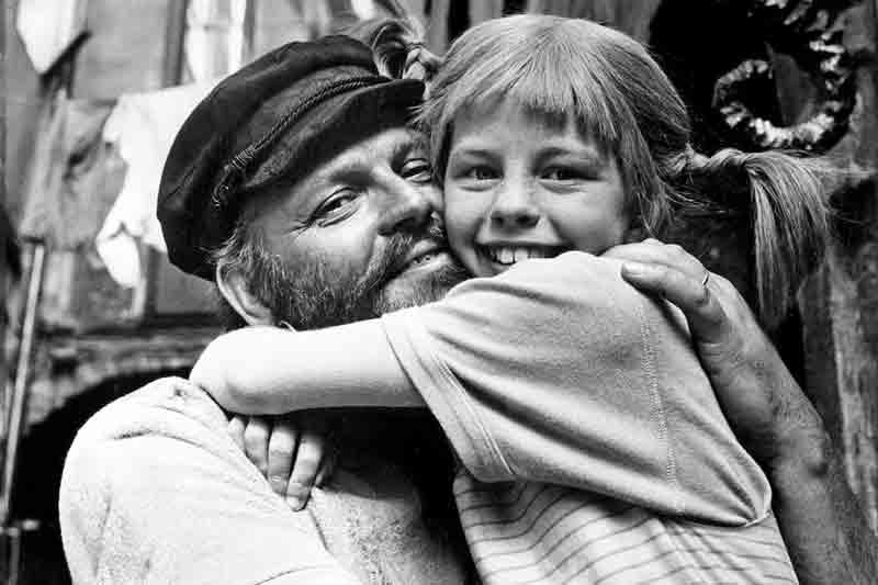 Pipi Langstrump y su padre, protagonistas de la serie televisiva Pipi Calzaslargas