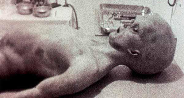Supuesto cuerpo alienígena encontrado en Roswell