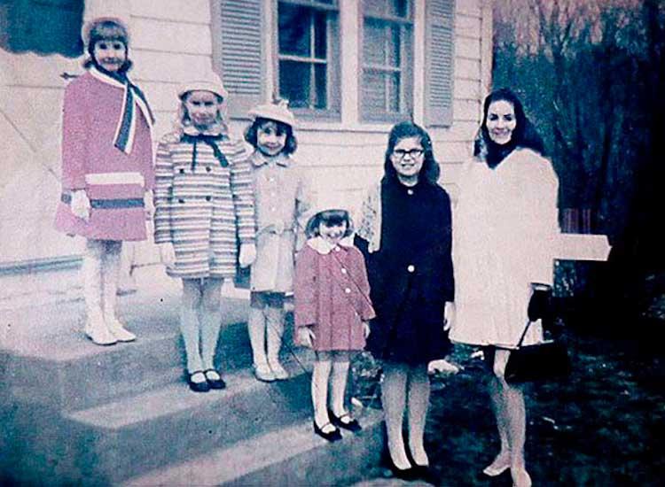Fotografía real de la familia Perron