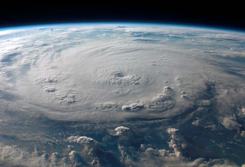 Imagen satelital de un huracán visto desde el espacio