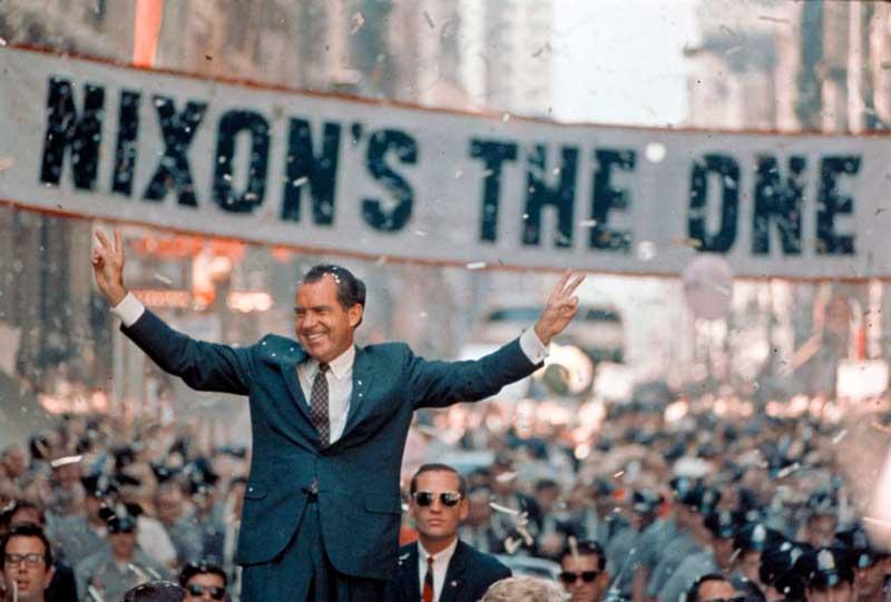 El presidente Nixon en campaña política para la reelección