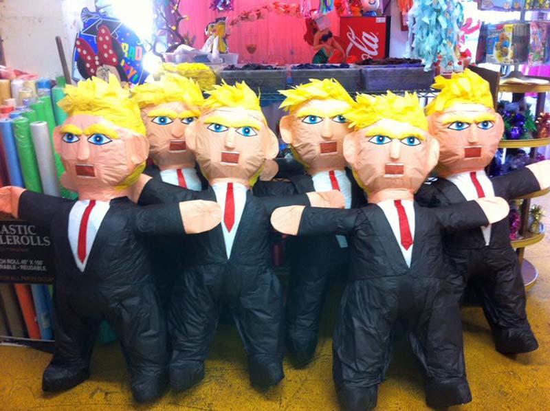 Piñatas con la figura del presidente Donald Trump