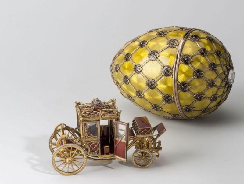 El Huevo de la Coronación contiene una carroza en su interior como elemento sorpresa de Pascua