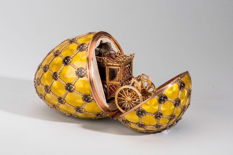 El Huevo de la Coronación, creado en 1897 para el zar Nicolás II, considerado el más famoso de la colección