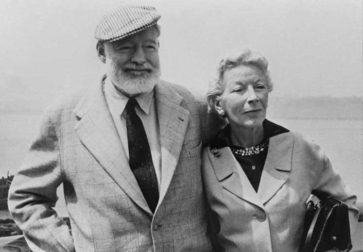 Una de las últimas fotografías de Hemingway con su esposa Mary Welsh
