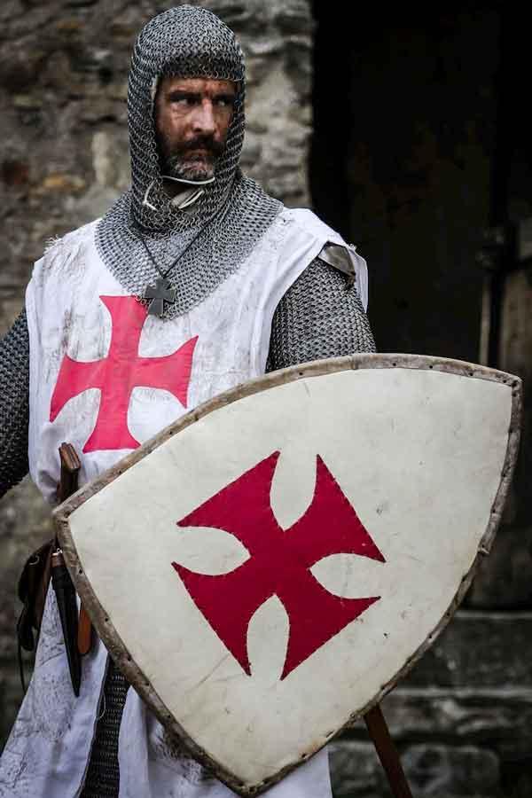 Representación de un Caballero Templario