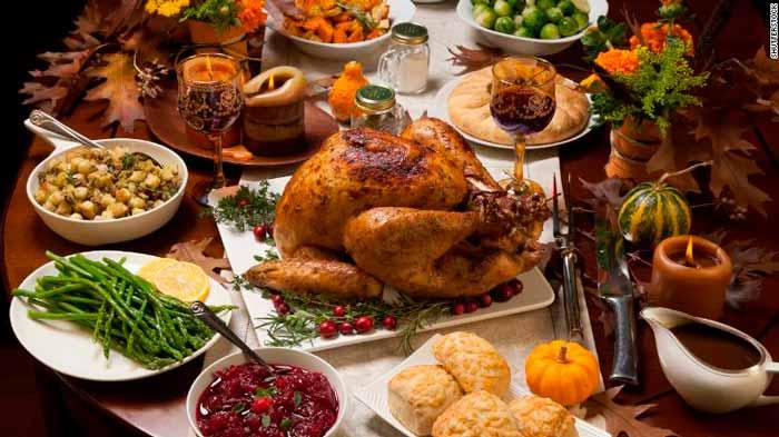 Mesa tradicional del día de Acción de Gracias en la actualidad