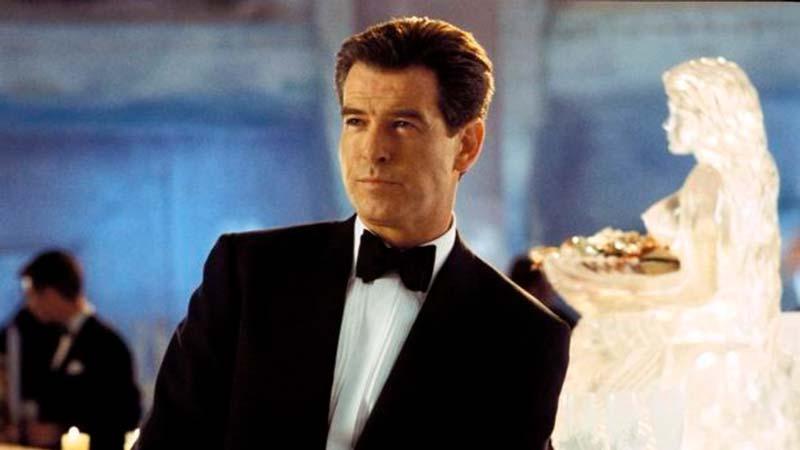 Pierce Brosnan como Bond