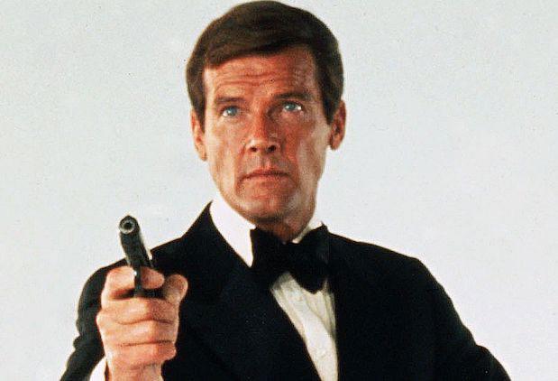 Roger Moore como agente 007