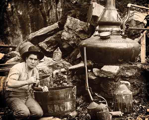 Producción clandestina de alcohol destilado durante la ley seca