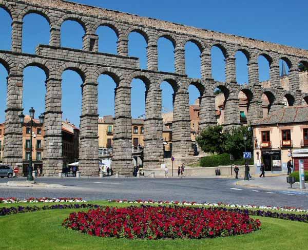El acueducto de Segovia, construido por los romanos
