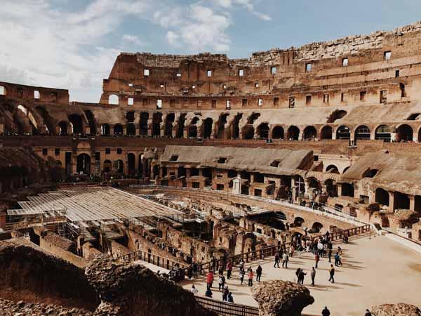 Interior del Coliseo de Roma, donde se representaban batallas, luchas de gladiadores y otros espectáculos