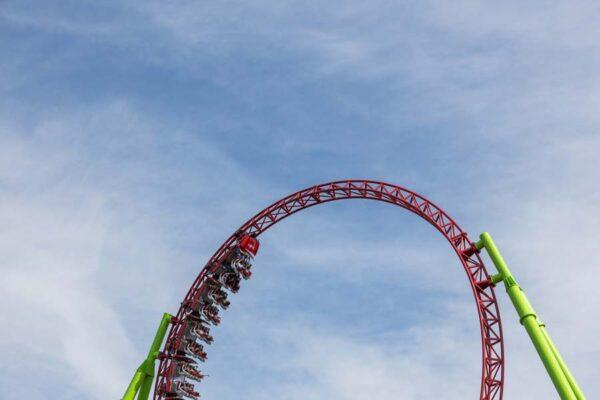 La física de Euthanasia Coaster, un concepto diseñado para la muerte