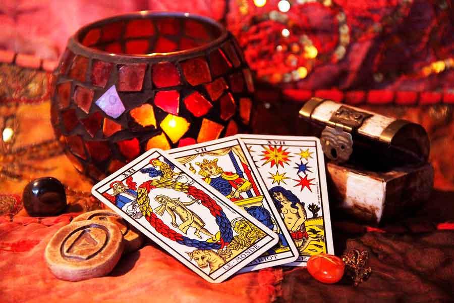 La creación del Tarot como herramienta esotérica de adivinación