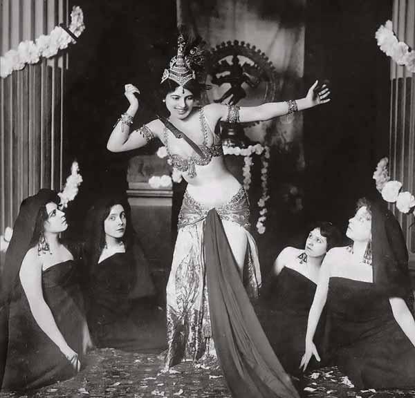 Mata Hari como bailarina exótica