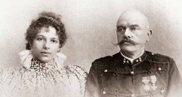 Fotografía de Mata Hari con Rudolf MacLeod