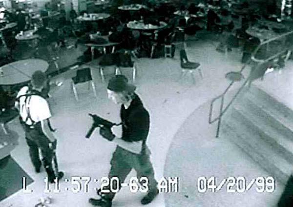 Imagen de las cámaras de seguridad de la cafetería de la escuela