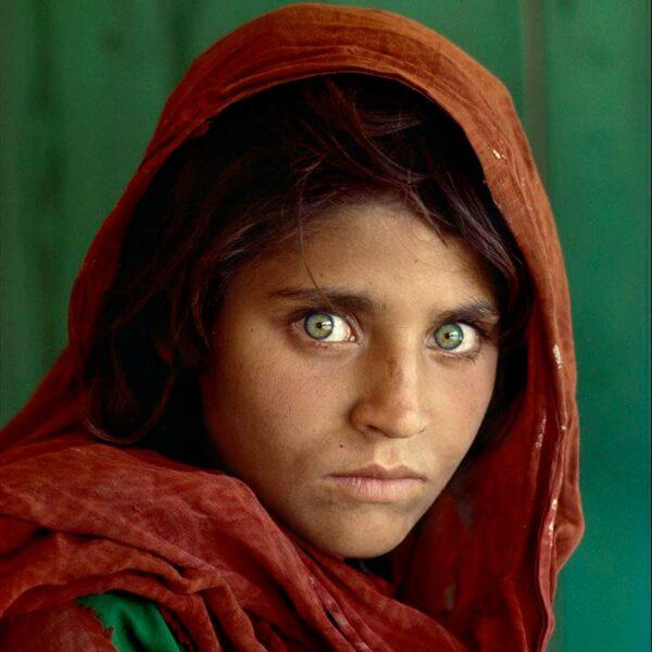 La historia detrás de una mirada, la inolvidable fotografía de la niña afgana