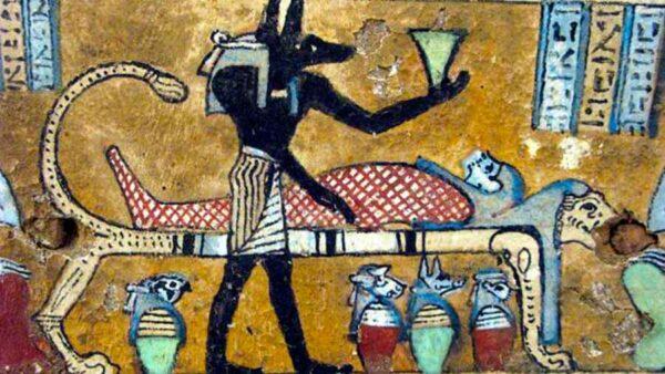 La importancia de los vasos canopos en la momificación egipcia