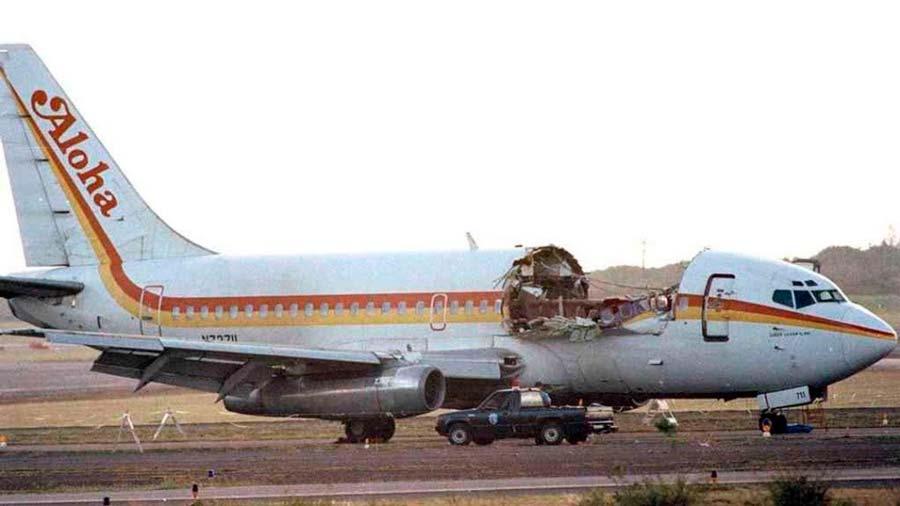 El vuelo 243 de Aloha Airlines que logró aterrizar sin techo