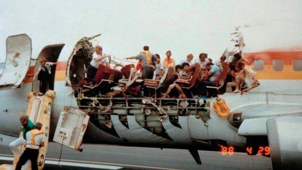 Imagen del vuelo 243 después de aterrizar