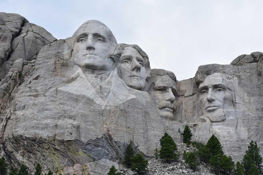 La construcción del Monumento Nacional Monte Rushmore