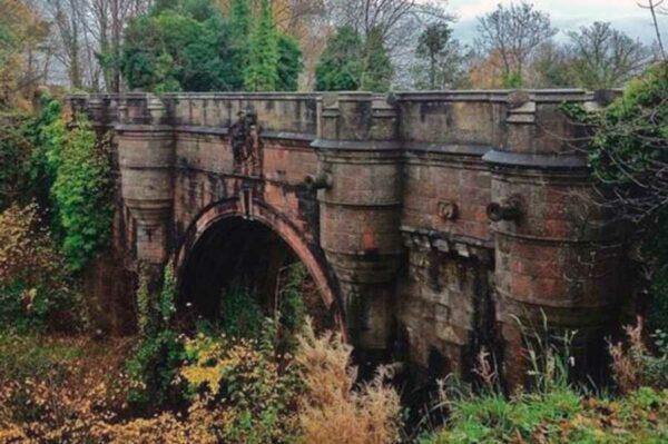 El misterio triste del Puente de los Perros Suicidas